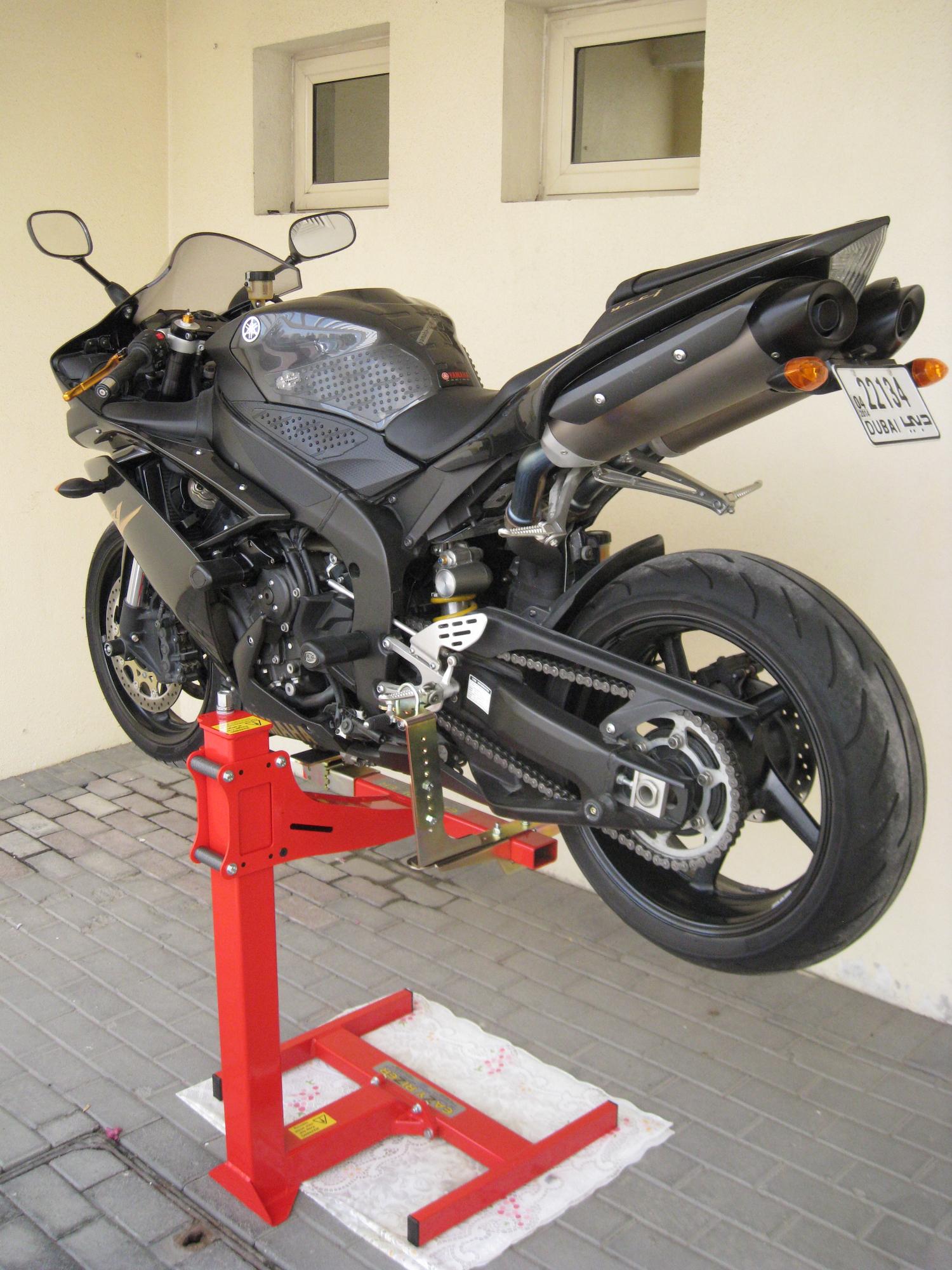 motorcycle lift motorbike stand sports bike lift eazyrizer original red ebay. Black Bedroom Furniture Sets. Home Design Ideas